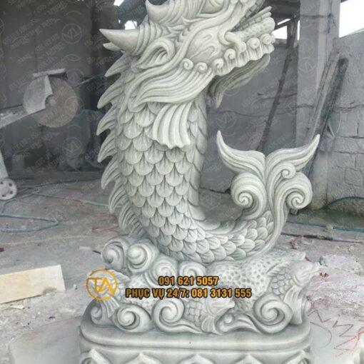 Tuong-ca-chep-hoa-rong-trang-tri-tchr17